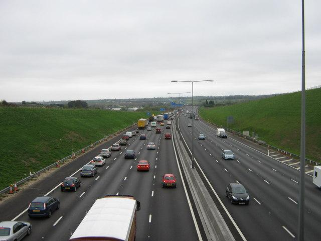 Traffic news: Stalled van on M25 causes congestion