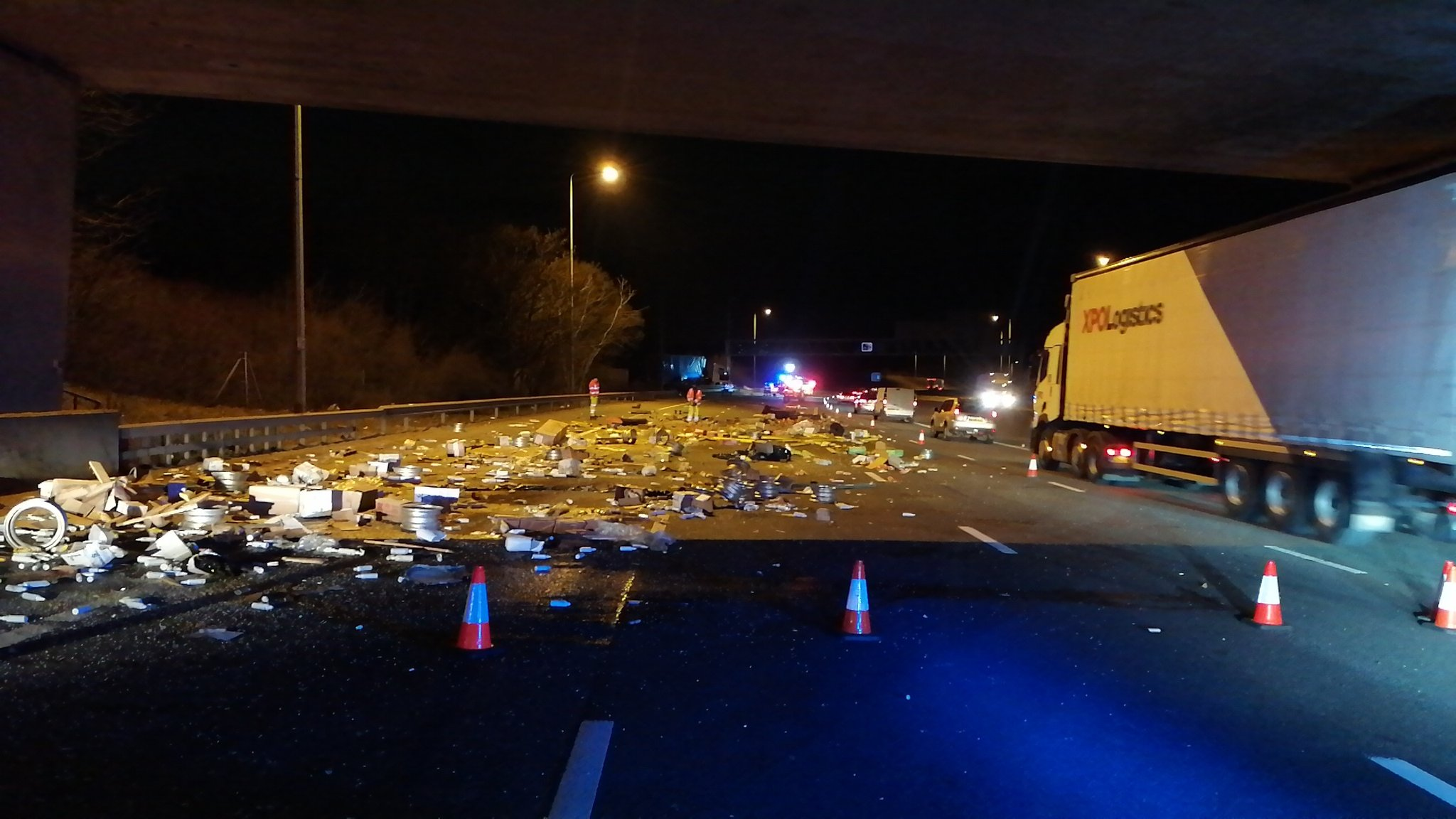 M25 reopens after fuel spill