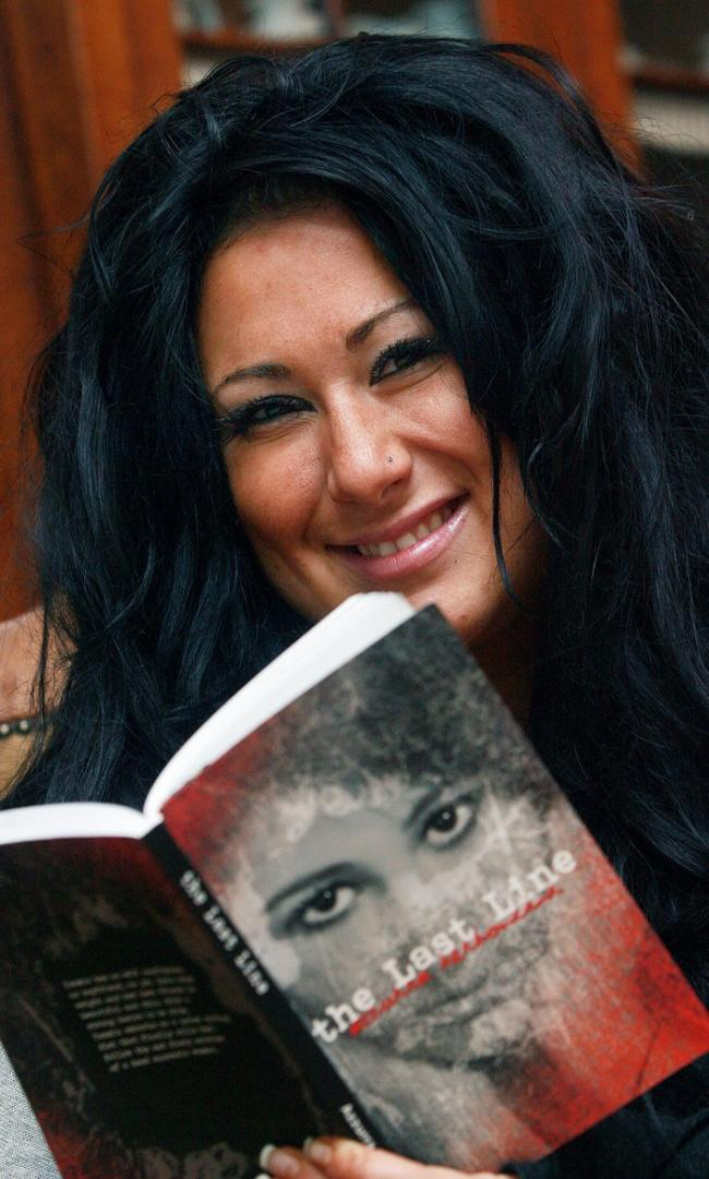 Azurra Bertoncini has had her first novel published