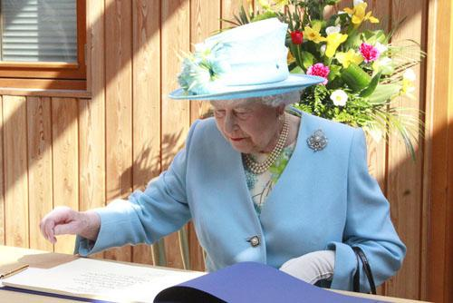 Times Series: Round up of The Queen's visit to Harrow