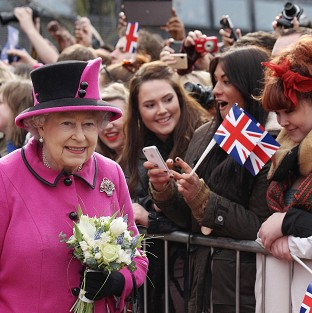 Jubilee crowds greet royal party
