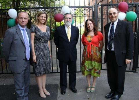 Mike Freer (MP), Dr Zoe Dunn (founding headteacher), Chief Rabbi Lord Sacks, Rachel Clark (Chair of Governors), Rabbi Dr Harvey Belovski (Principal of Rimon) at Rimon Jewish Primary School official opening