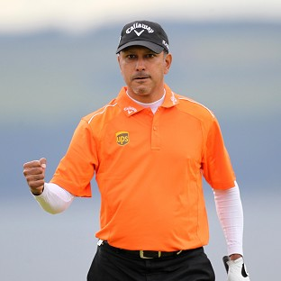 Jeev Milkha Singh has equalled the course record in Dubai