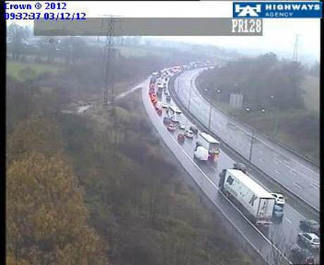 M1 closed southbound between Watford and Edgware due to serious