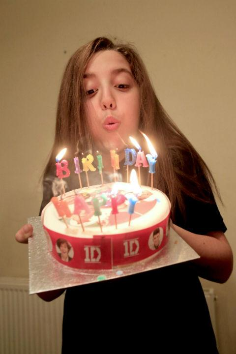 Sofia Davoren Blows Out Candles On Her One Direction Birthday Cake