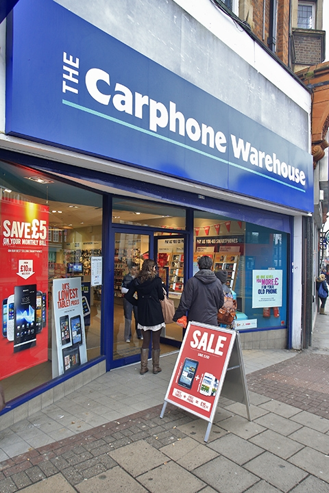 Two arrested after £4,000 mobile phone shop raid