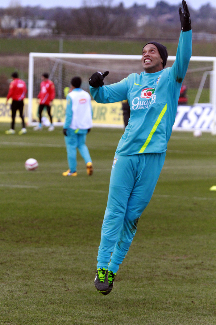Times Series: Ronaldinho trains at the Hive training ground Barnet