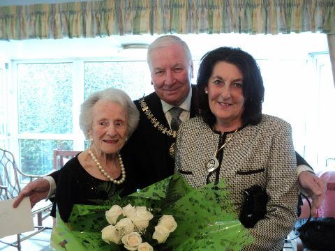 Sophie Pomper with the Mayor of Barnet and his wife