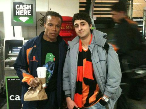 Edgar Davids with fan Josh Ilan