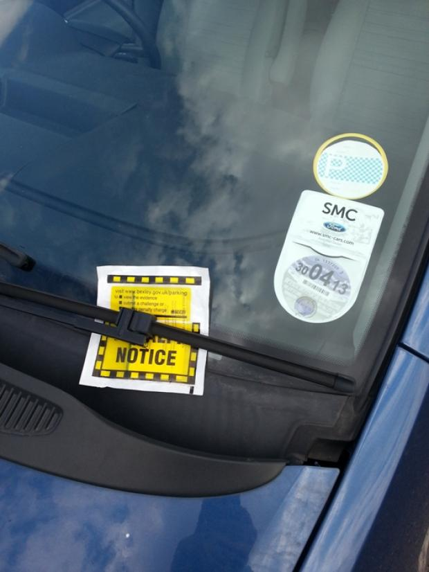 Times Series: Is a parking warden allowed to take a photo when the driver is in the car?