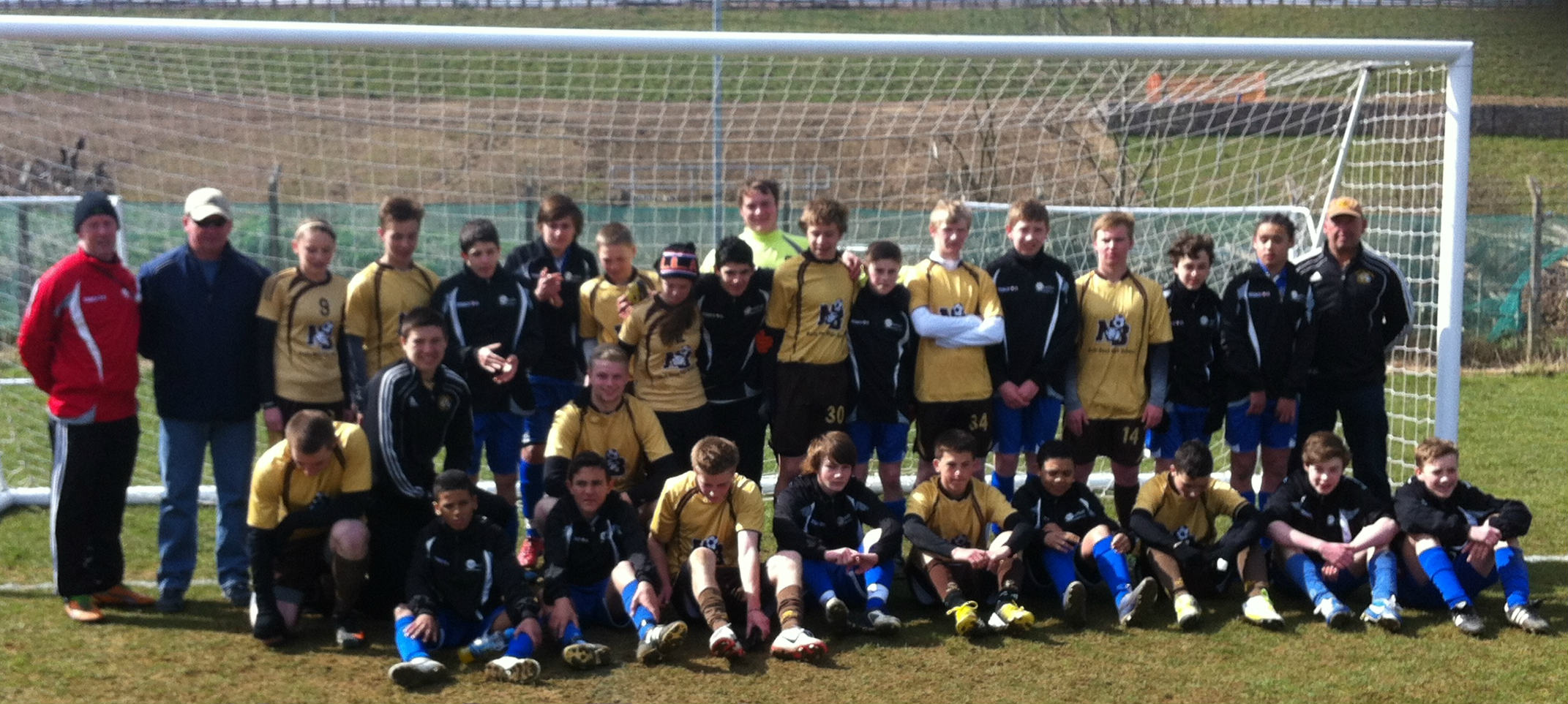NCF Elites with the footballers from Oregon