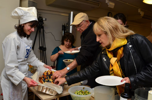 'Fantastic' Jewish food festival attracts hundreds of visitors