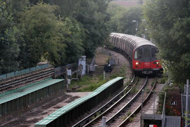 Three-day tube strike suspended