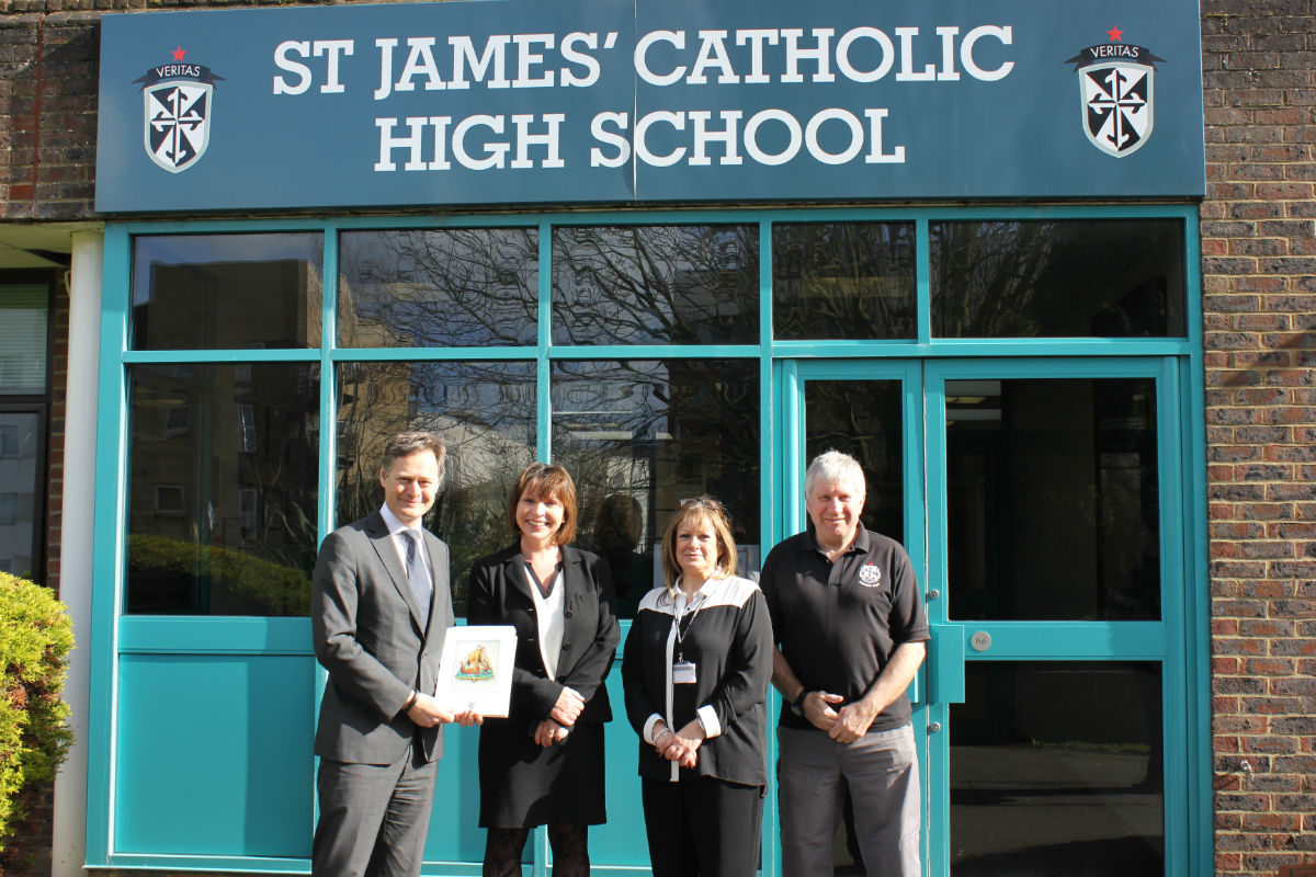 Hendon MP Matthew Offord with headteacher Niamh Arnull, Governor Jan Cohen and premises manager Steve Turner.