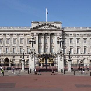 Jewel thieves raided a shop not far from Buckingham Palace