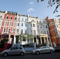Times Series: Houses in Notting Hill, London, which has prospered despite the downturn
