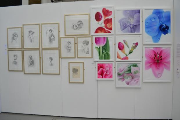 Students hold art exhibition