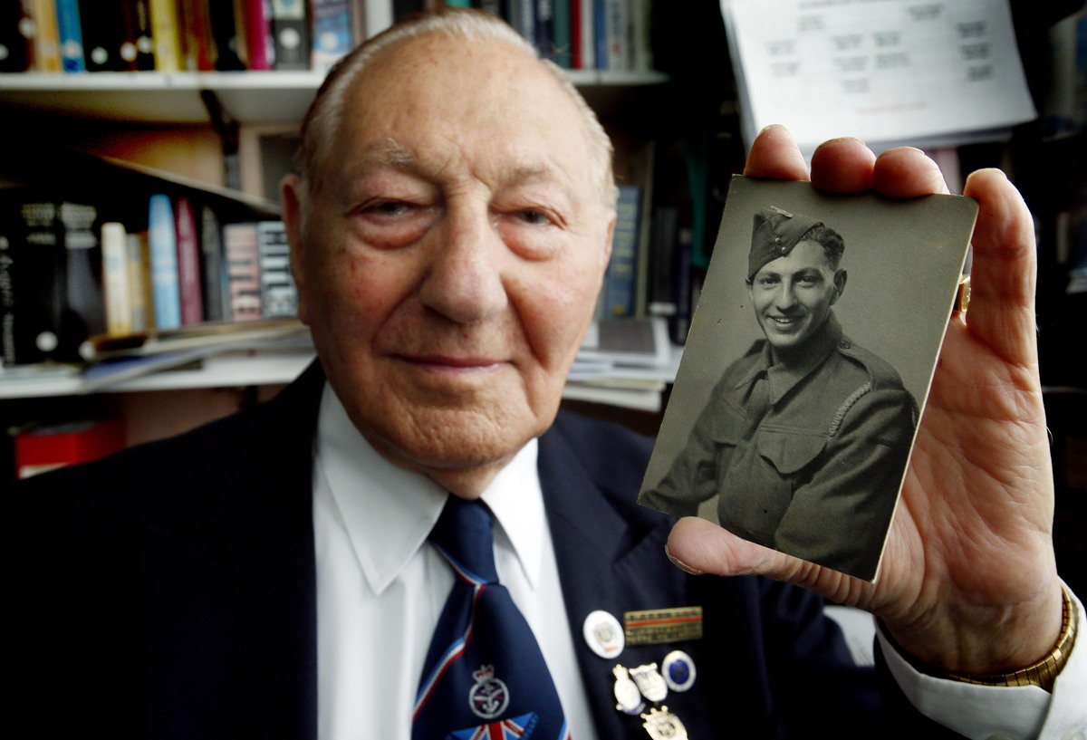 Mervyn Kersh, now 89, is set to revisit the beaches of Normandy for what could be the final time