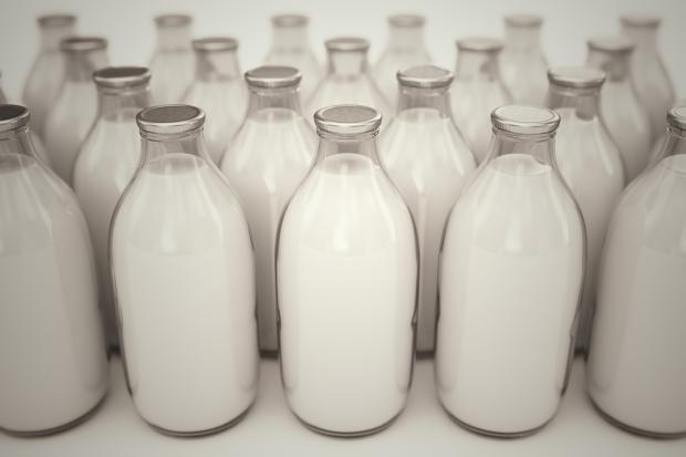 Times Series: Arla is to reduce its milk prices on 1 July