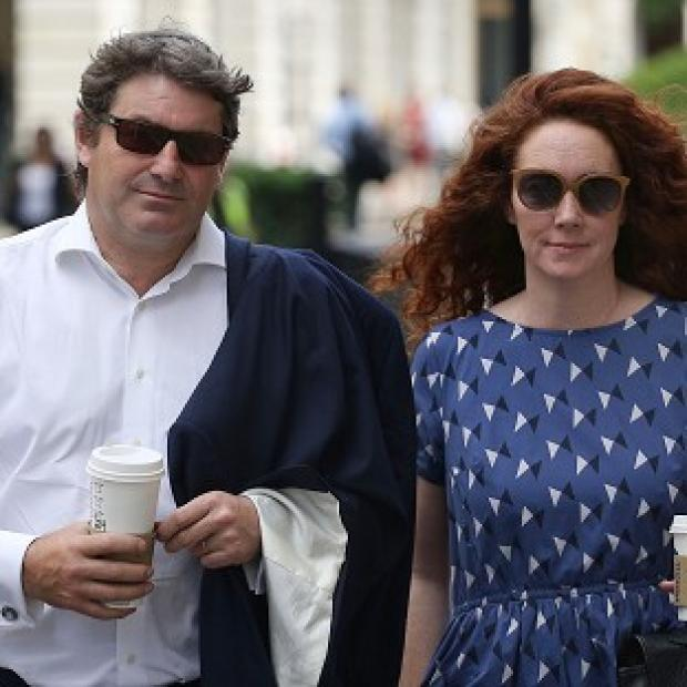 Times Series: Charlie and Rebekah Brooks outside the Old Bailey in central London as the jury considers verdicts in the phone hacking trial.