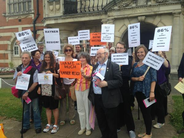 Campaigners call for Rayner's resignation during peaceful protest