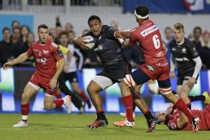 Mako Vunipola runs in to score Saracens' first try. Picture: Action Images