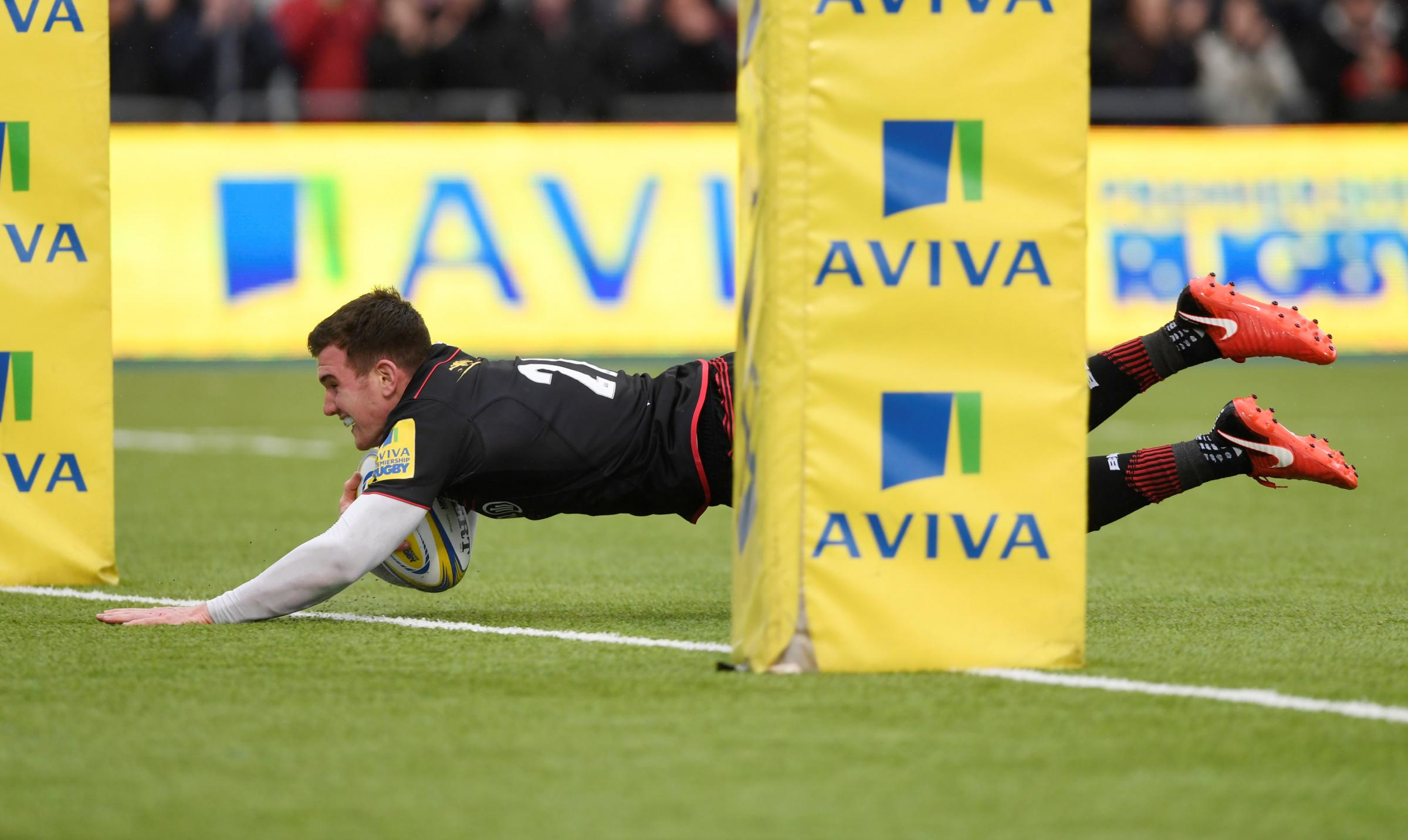 Ben Spencer dives over to touch down for Sarries. Picture: Action Images