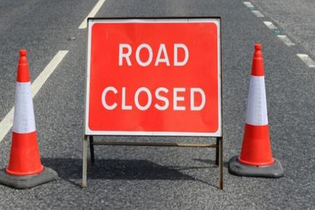 Major delays after Holders Hill Road closed