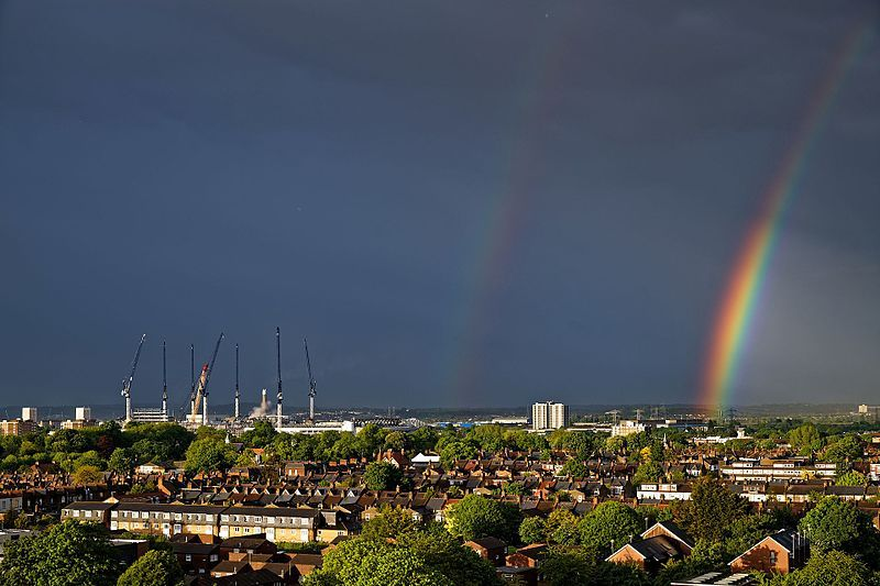 Rainbow_over_North_London,_England_04