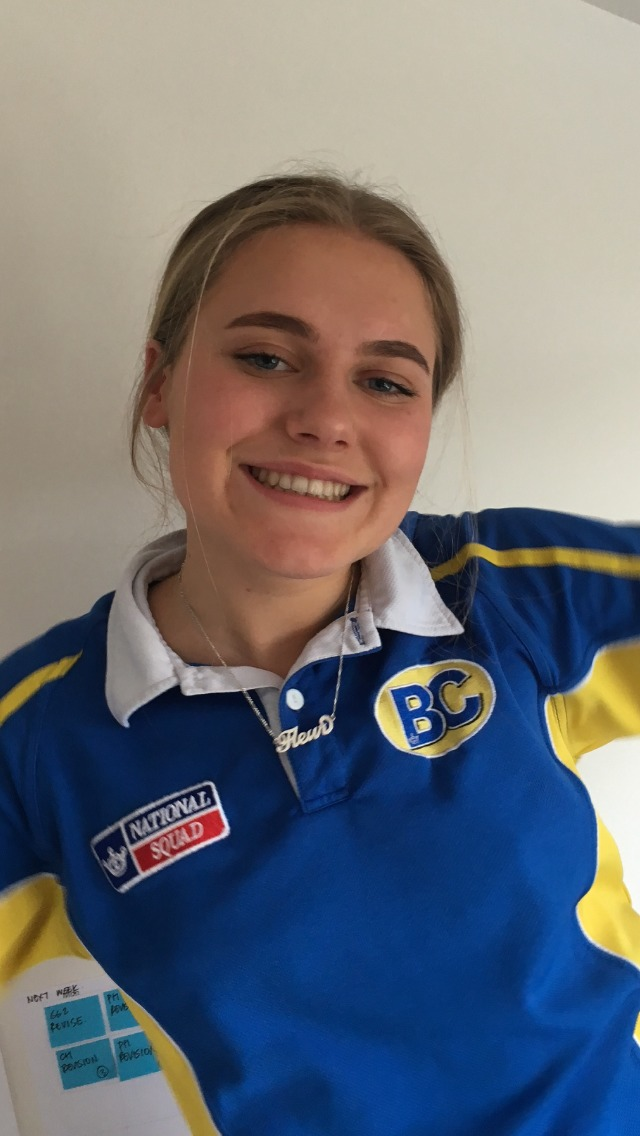 Barnet Copthall swimmer Fleur Lewis will represent Great Britain at the European Junior Championships in Kazan, Russa this summer.